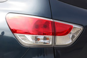 2013 Nissan Pathfinder taillight