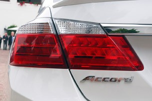 2014 Honda Accord Plug-In Hybrid taillight
