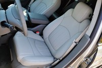 2013 Chevrolet Traverse front seats