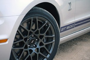 2013 Ford Shelby GT500 wheel