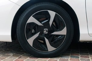 2014 Honda Accord Plug-In Hybrid wheel