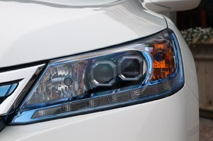 2014 Honda Accord Plug-In Hybrid headlight