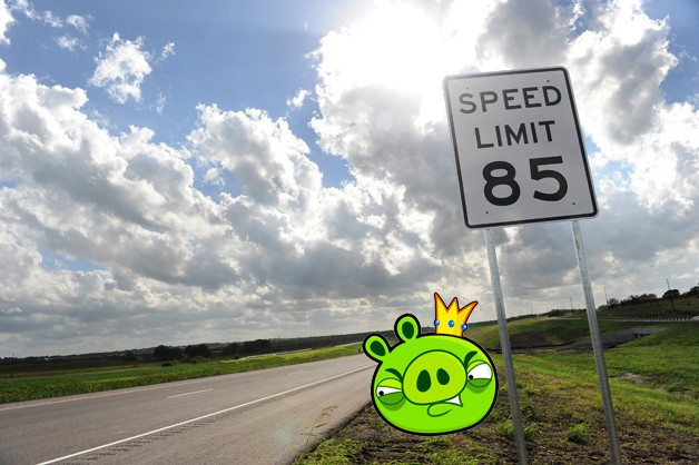 Texas' 85-mph speed limit sign with Angry Birds' pig