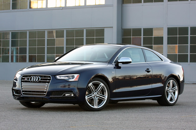 2013 Audi S5 Coupe front 3/4 in Estoril Blue