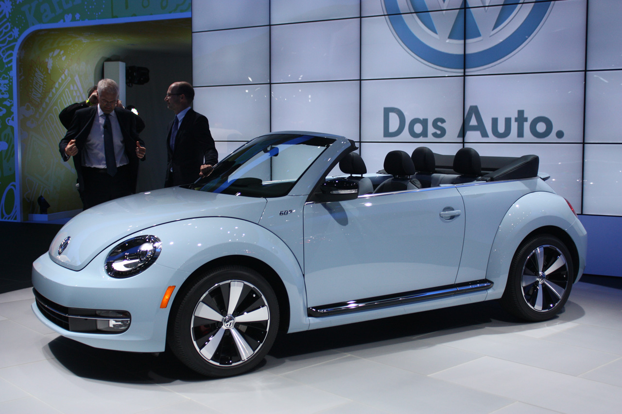 2013 VW Beetle Convertible debuts, priced from $24,495 ...