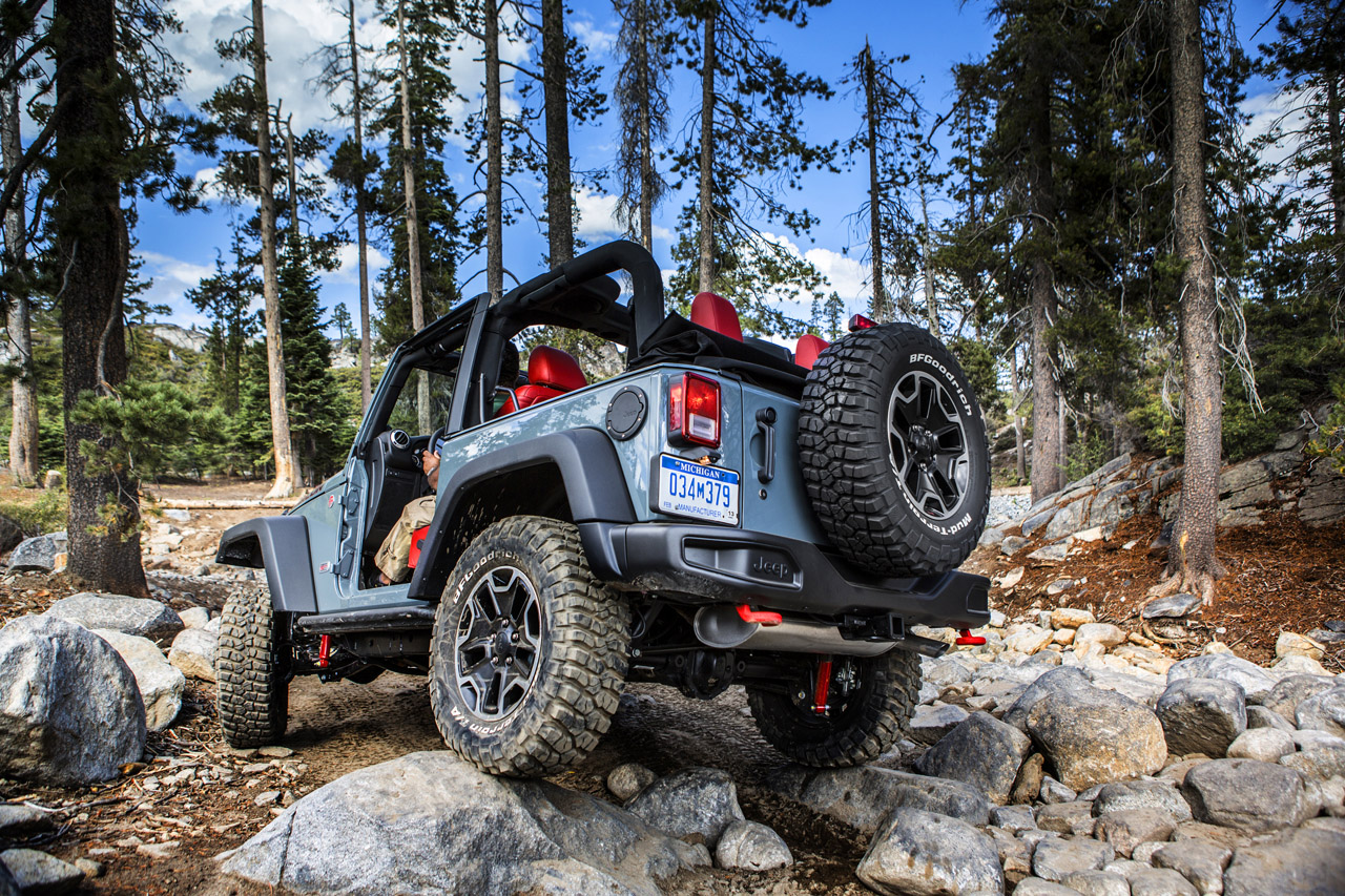 next gen jeep wrangler to get 8 speed automatic and 3 0 liter ecodiesel autoblog. Black Bedroom Furniture Sets. Home Design Ideas