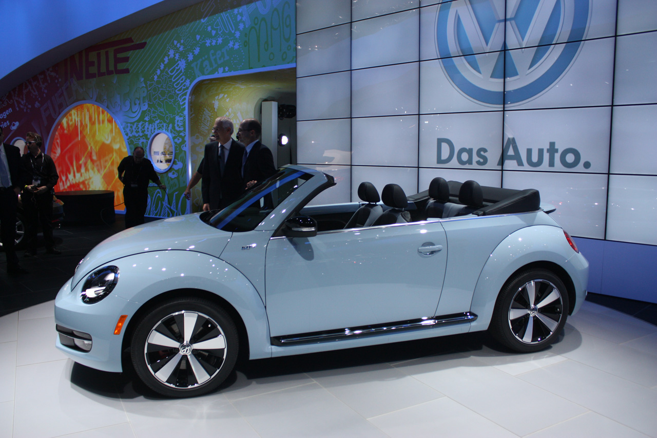 2013 volkswagen beetle convertible la 2012 photo gallery autoblog. Black Bedroom Furniture Sets. Home Design Ideas