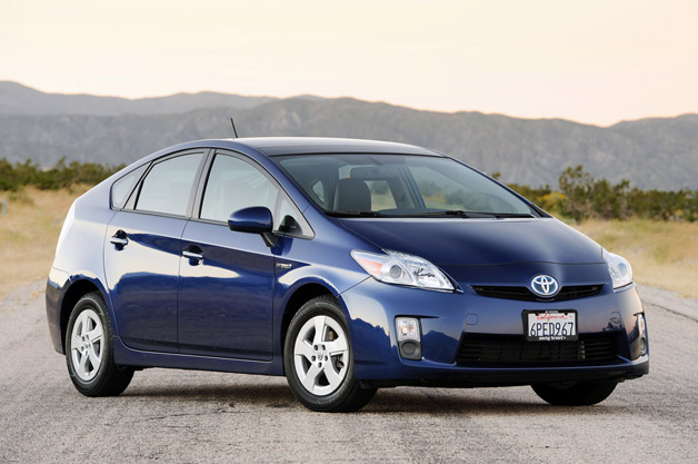 2011 Toyota Prius front 3/4