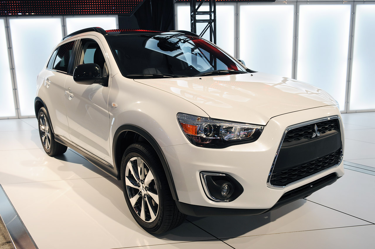mitsubishi celebrates 30th anniversary in us with outlander sport limited edition autoblog