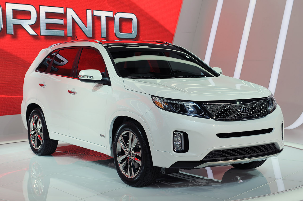 new look 2014 kia sorento takes the stage in los angeles autoblog. Black Bedroom Furniture Sets. Home Design Ideas