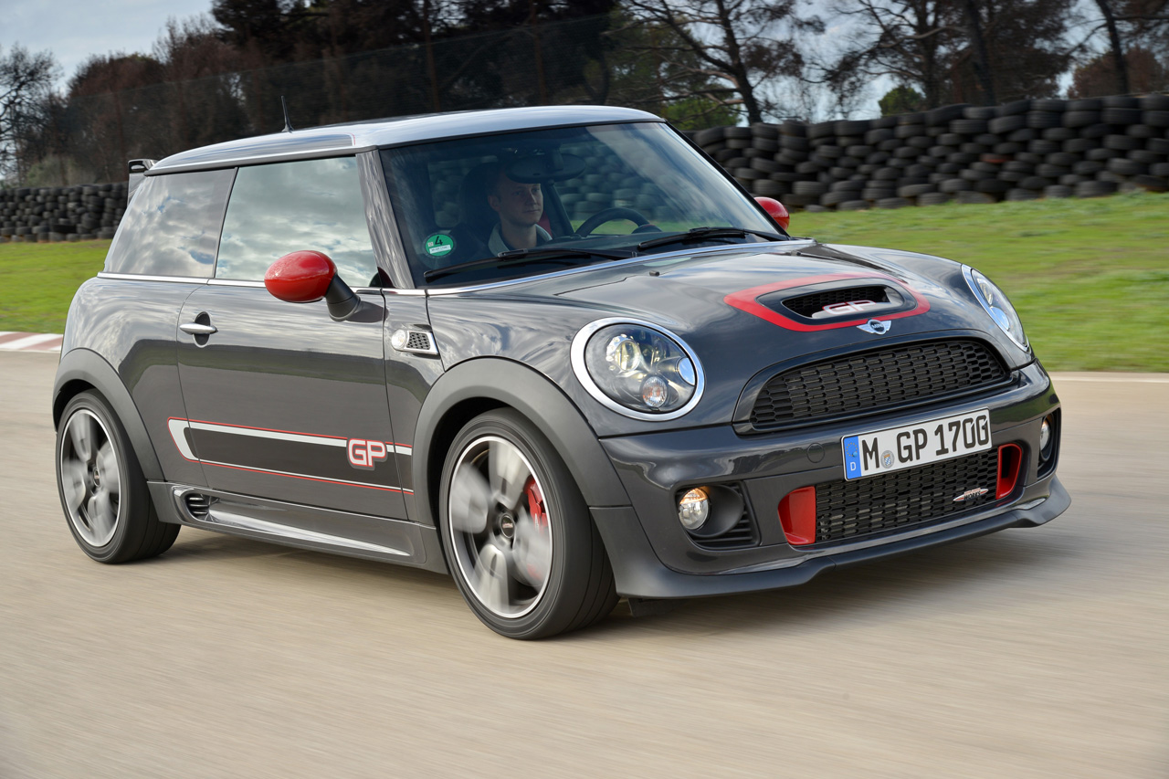 2014 mini john cooper works gp autoblog. Black Bedroom Furniture Sets. Home Design Ideas