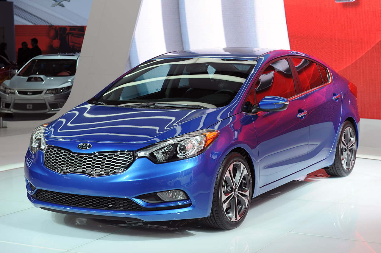 2014 kia forte is what 39 s cookin 39 good lookin 39 autoblog. Black Bedroom Furniture Sets. Home Design Ideas