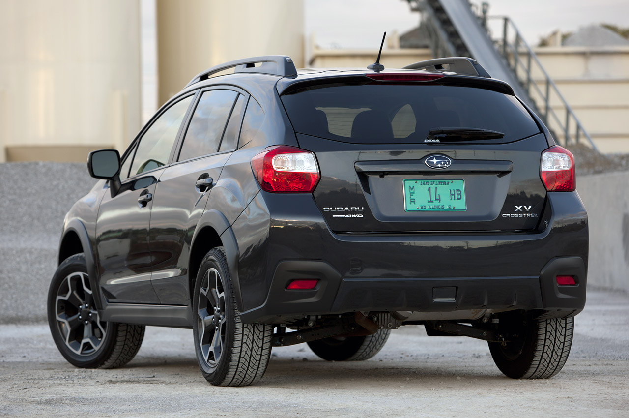 2013 subaru xv crosstrek review photo gallery autoblog. Black Bedroom Furniture Sets. Home Design Ideas