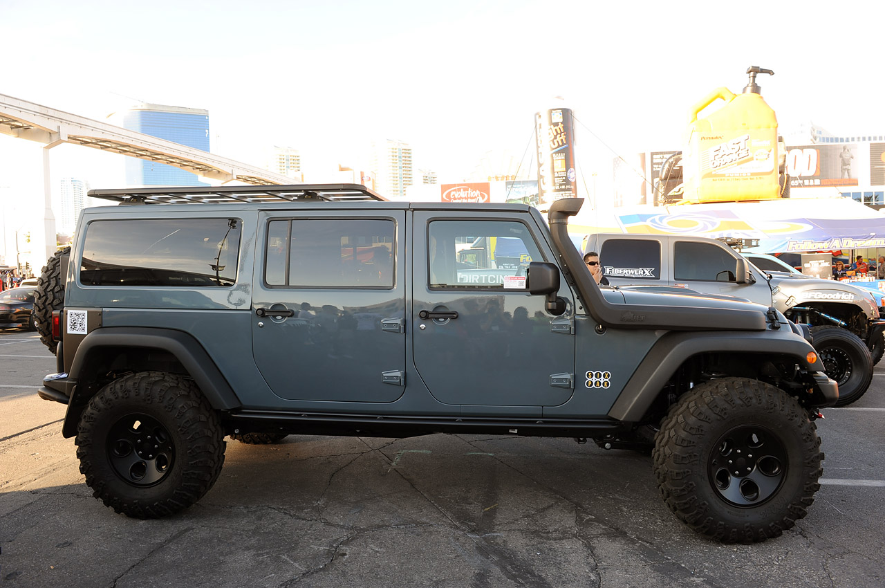 Jeep Jk Six Pak Concept Is The Three Row Family Off Roader
