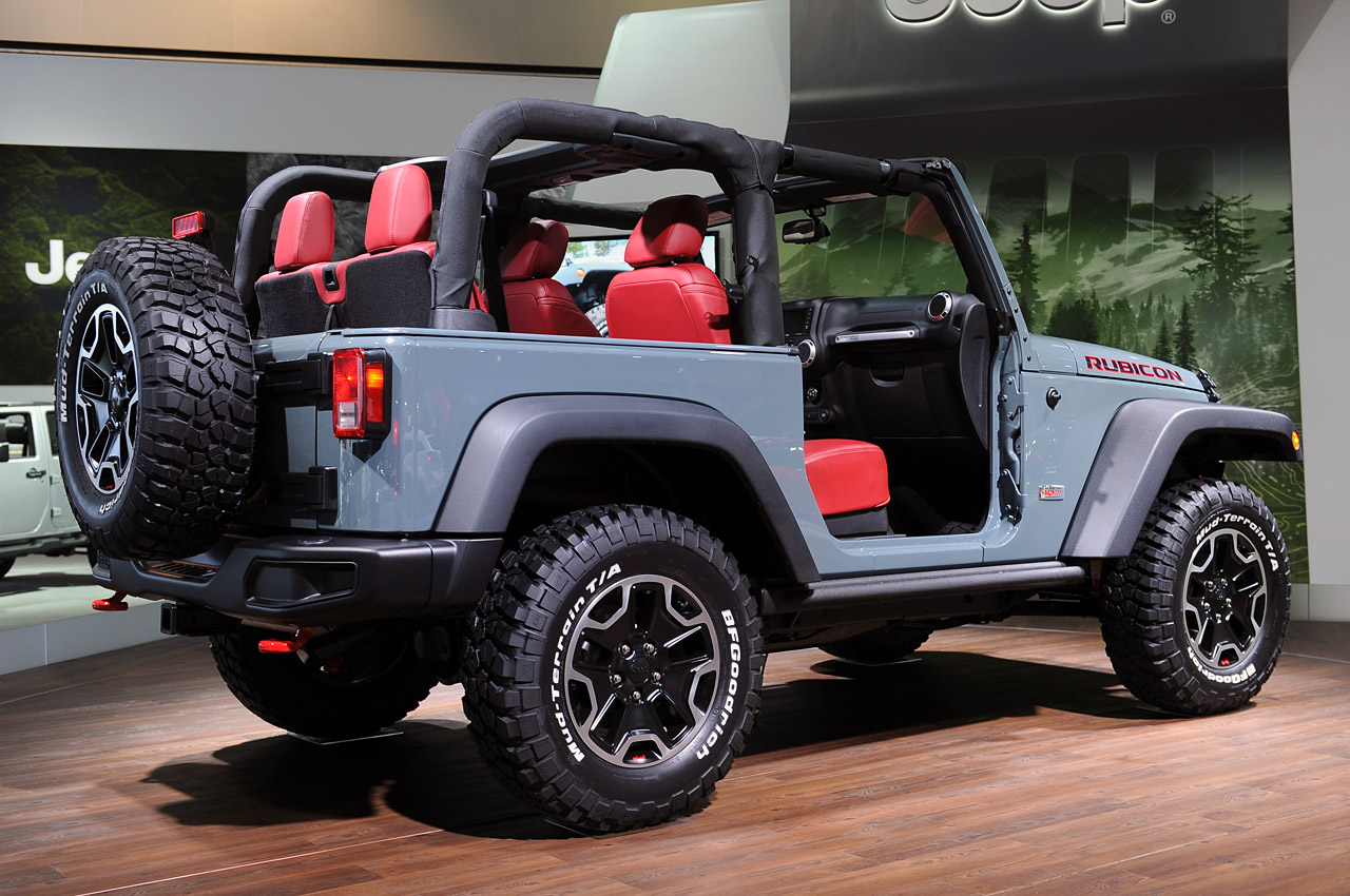 2013 jeep wrangler rubicon 10th anniversary edition is a trail eating off road beast autoblog. Black Bedroom Furniture Sets. Home Design Ideas