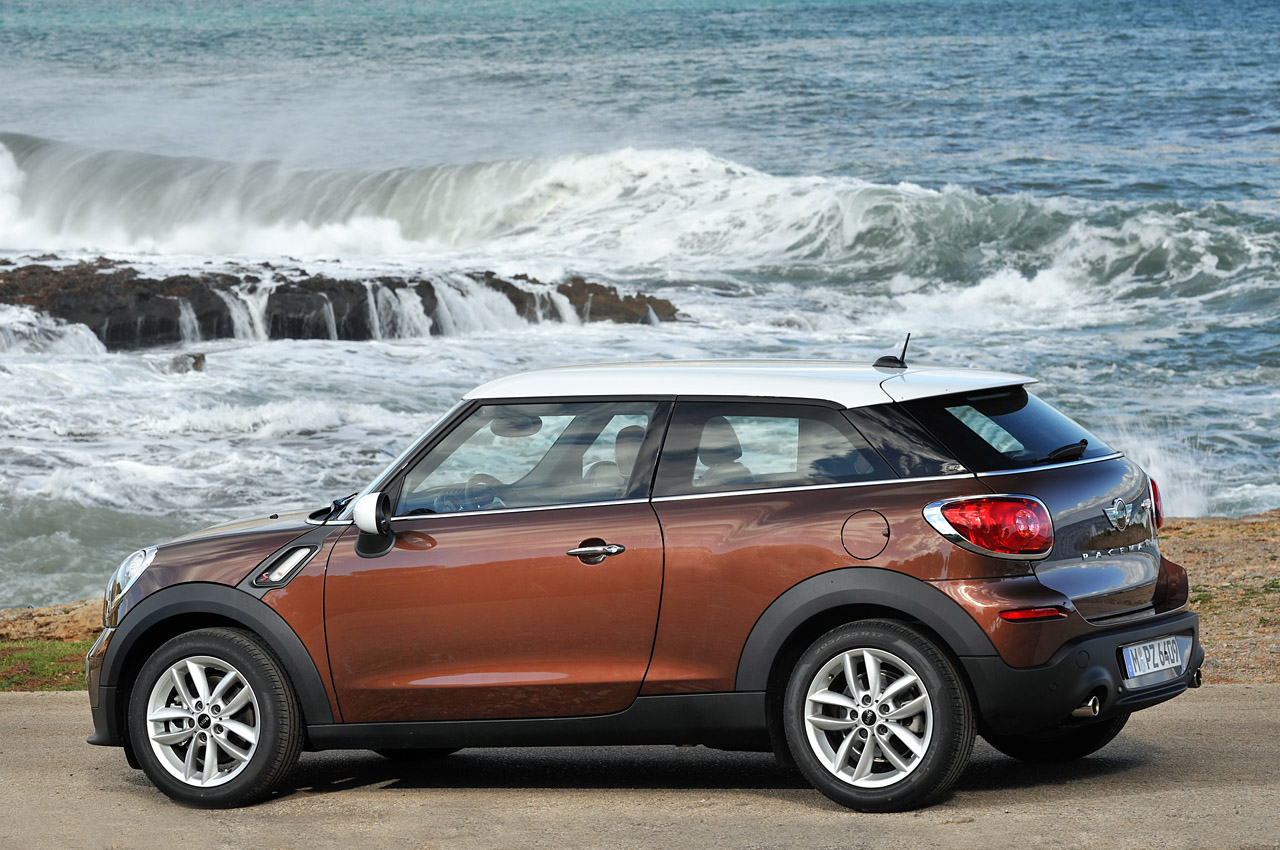 2014 mini cooper s paceman first drive photo gallery. Black Bedroom Furniture Sets. Home Design Ideas