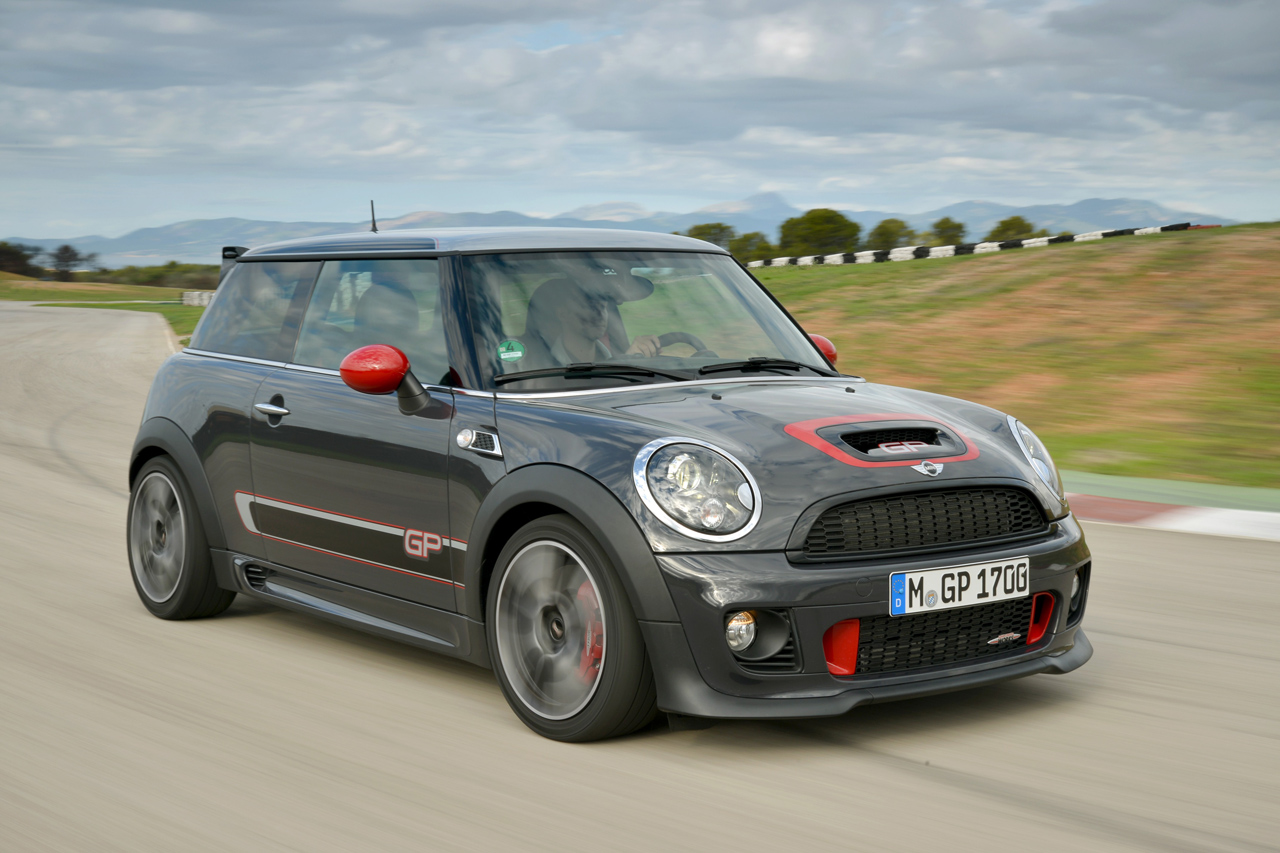 2014 mini john cooper works gp quick spin photo gallery autoblog. Black Bedroom Furniture Sets. Home Design Ideas