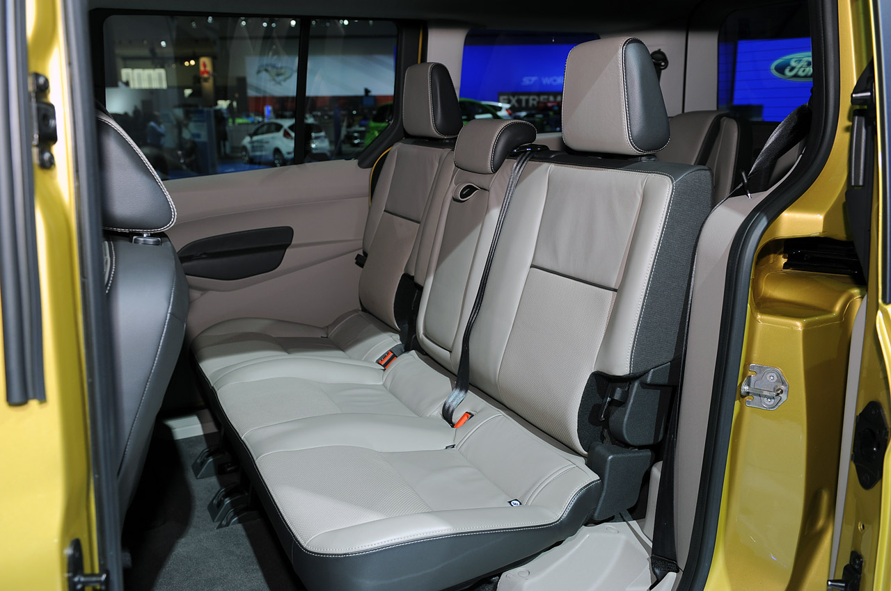 15-2014-ford-transit-connect-la.jpg