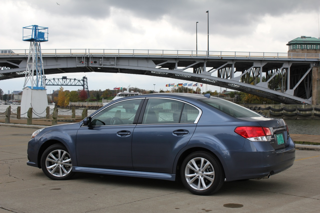 2013 Subaru Legacy 2.5i: Quick Spin Photo Gallery - Autoblog