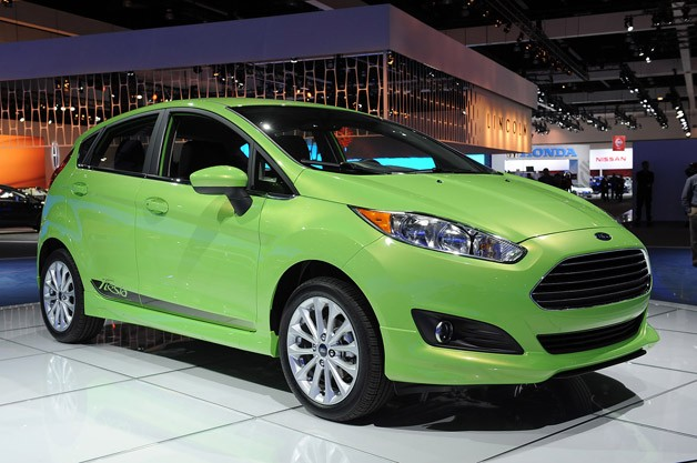 2014 Ford Fiesta debuts Fusion-inspired face