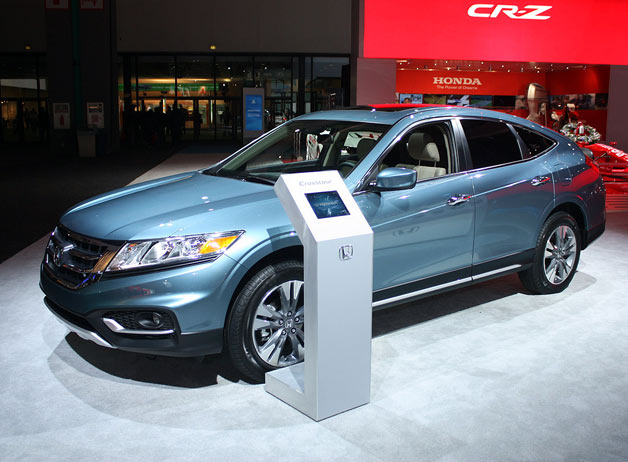 2013 Honda Crosstour live reveal at 2012 LA Auto Show