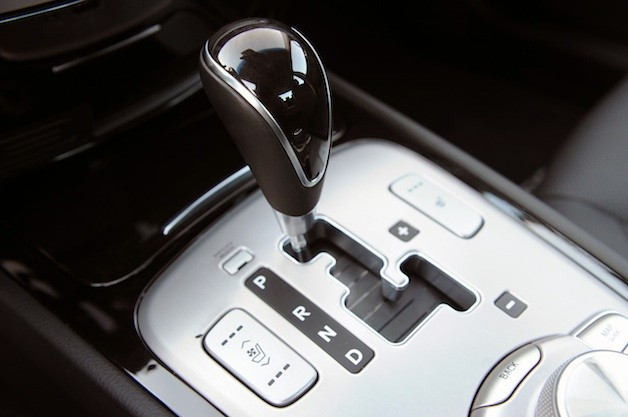Hyundai Genesis sedan shifter