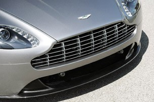 2012 Aston Martin V8 Vantage Roadster grille