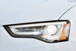 2013 Audi A5 2.0T Quattro headlight