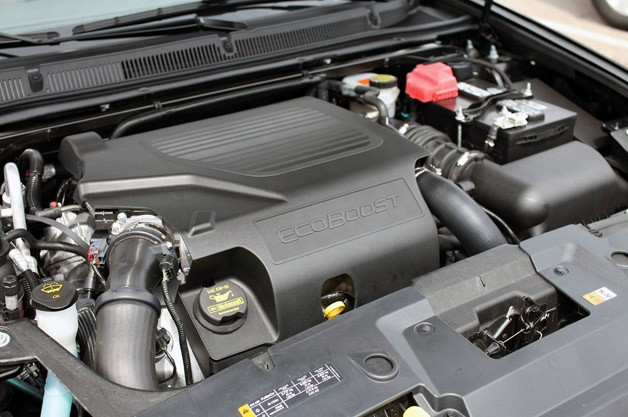 2013 Lincoln MKS EcoBoost engine