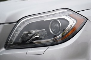 2013 Mercedes-Benz GL550 headlight