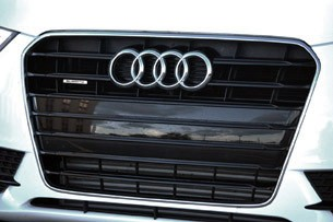 2013 Audi A5 2.0T Quattro grille