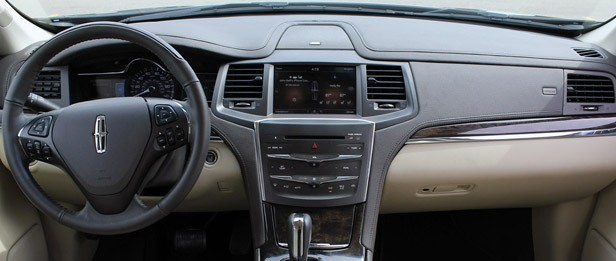 2013 Lincoln MKS EcoBoost interior