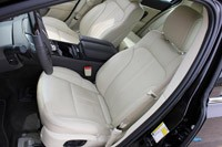 2013 Lincoln MKS EcoBoost front seats