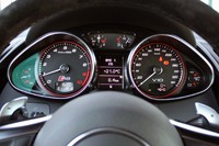 2014 Audi R8 V10 Plus gauges
