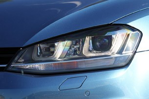 2015 Volkswagen Golf headlight