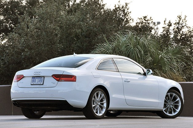 2013 Audi A5 2.0T Quattro rear 3/4 view