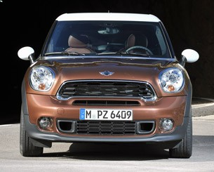 2014 Mini Cooper S Paceman front view