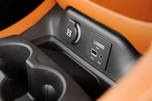2013 SRT Viper AUX and USB input