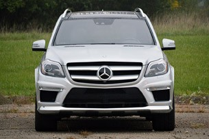 2013 Mercedes-Benz GL550 front view