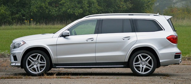 2013 Mercedes-Benz GL550 side view