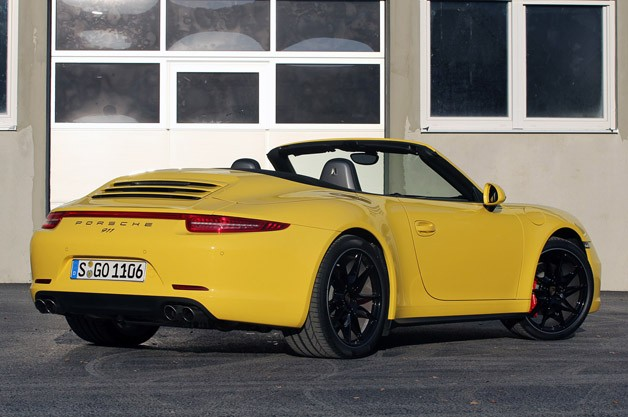 2013 Porsche 911 Carrera 4S rear 3/4 view
