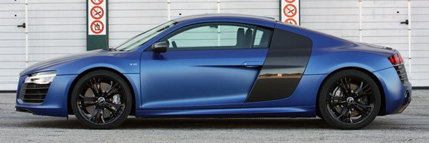 2014 Audi R8 V10 Plus side view
