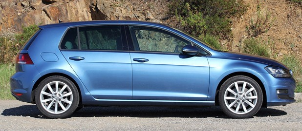 2015 Volkswagen Golf side view
