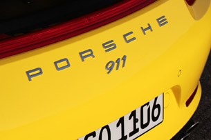 2013 Porsche 911 Carrera 4S badges