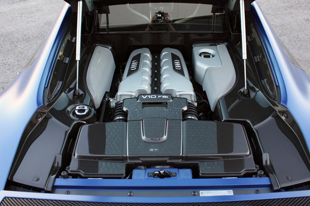 2014 Audi R8 V10 Plus engine