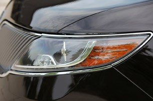 2013 Lincoln MKS EcoBoost headlight