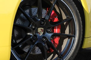 2013 Porsche 911 Carrera 4S wheel