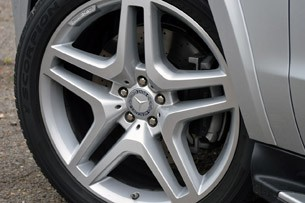 2013 Mercedes-Benz GL550 wheel