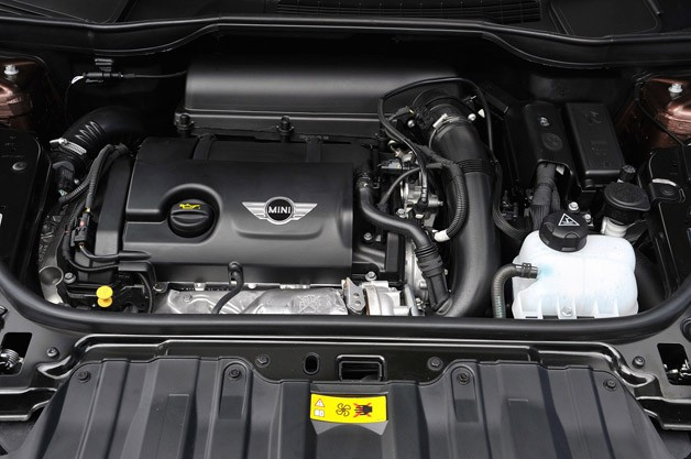 2014 Mini Cooper S Paceman engine