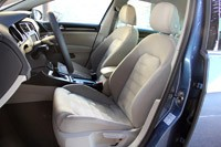 2015 Volkswagen Golf front seats